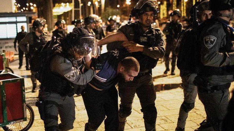 Spannung zwischen Israelis und Palästinensern: Für die Unruhen gibt es mehrere Auslöser. Foto: Ilia Yefimovich/dpa