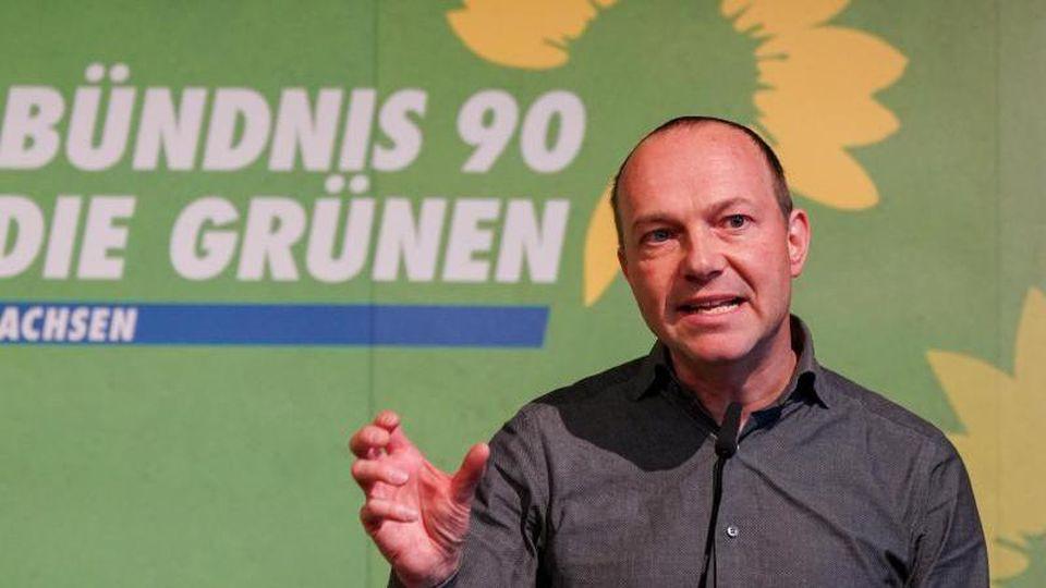 Der sächsische Minister für Landwirtschaft und Umwelt, Wolfram Günther (Grüne), spricht. Foto: Peter Endig/dpa-Zentralbild/dpa