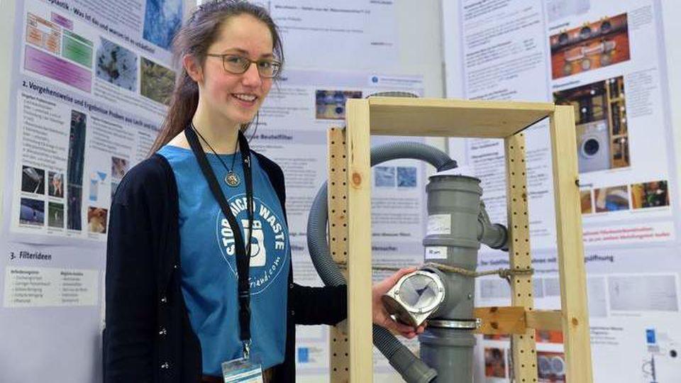 Die 15-jährige Schülerin Leonie Prillwitz hat einen Filter für Mikroplastik erfunden.