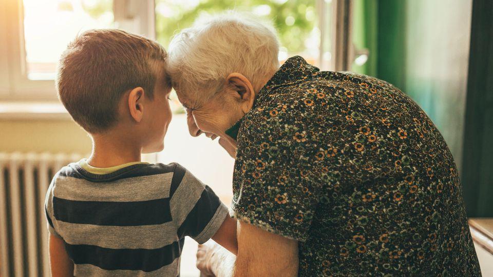 Von einer Begegnung zwischen Jung und Alt profitieren beide Seiten.