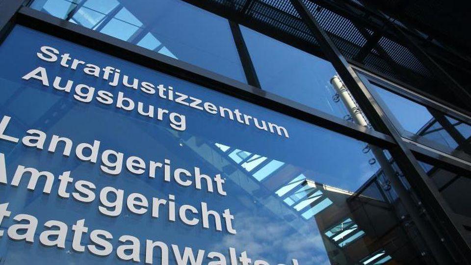 Außenaufnahme des Strafjustizzentrums Augsburg. Foto: Karl-Josef Hildenbrand/dpa