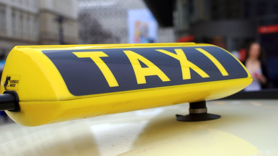 Eltern vergessen Neugeborenes in Taxi