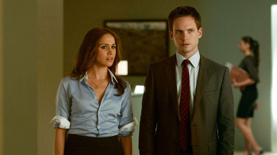 "Herzogin Meghan und Patrick J. Adams in ""Suits"""