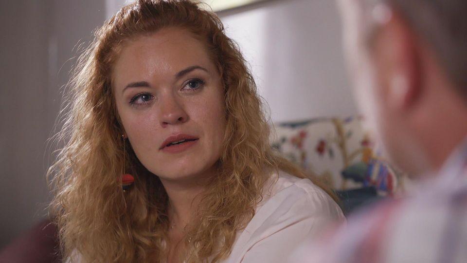 AWZ: Steffi schaut Ingo an.