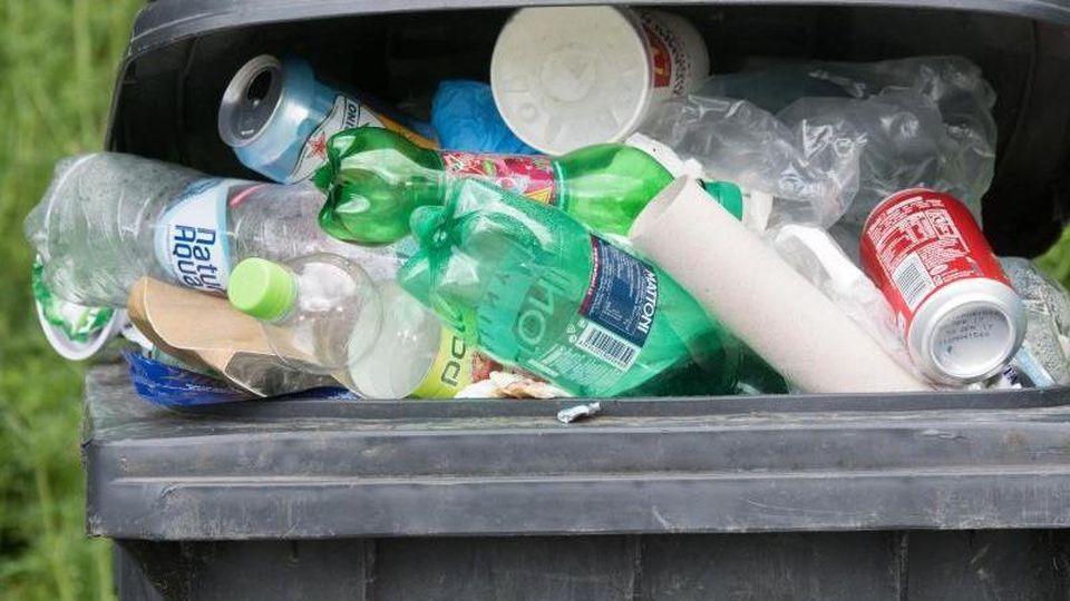 Statt im Müll zu landen, werden die getauschten Plastikflaschen recycelt. (Symbolbild)