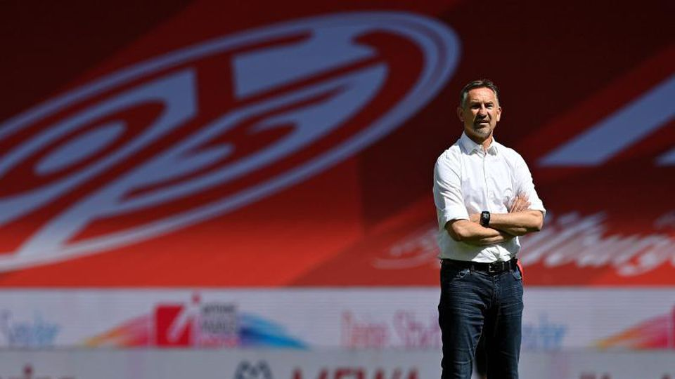 Der Mainzer Trainer Achim Beierlorzer. Foto: Sascha Steinbach / Pool/epa/Pool/dpa/Archivbild