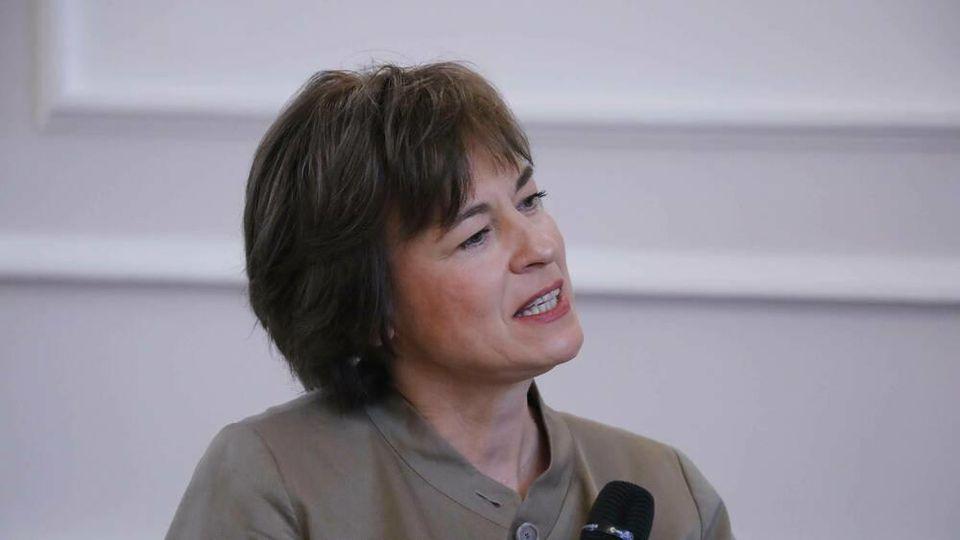 Moderatorin Maybrit Illner führt durch den gleichnamigen ZDF-Talk.