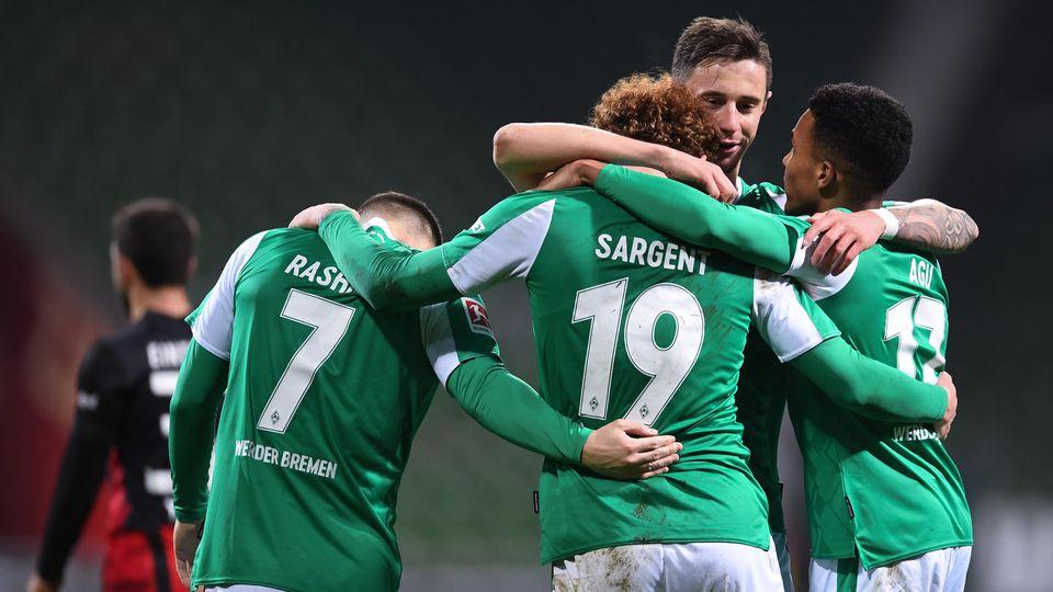 Bremen feiert seinen Siegtorschützen gegen Frankfurt, Josh Sargent
