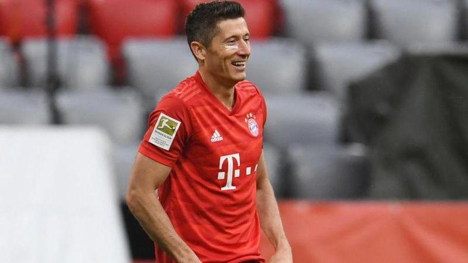 Robert Lewandowski von Bayern reagiert nach einem Tor. Foto: Andreas Gebert/Reuters-Pool/dpa/Archivbild