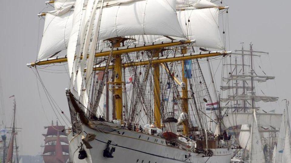 Das Segelschulschiff Gorch Fock im Jahr 2015. Foto: Carsten Rehder/Archivbild