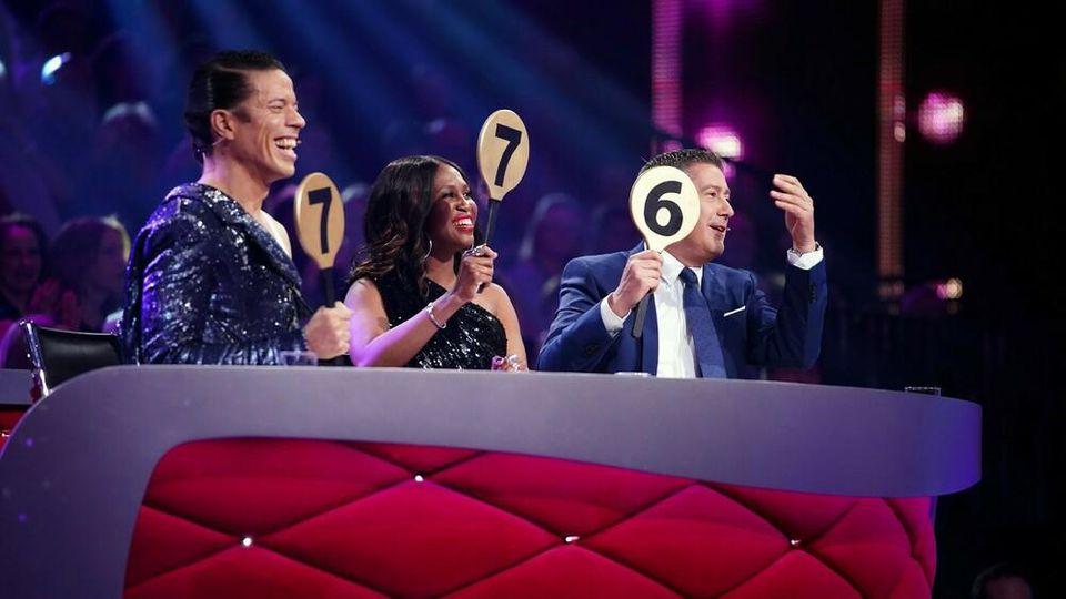 """Zur Höchstzahl durfte die Jury von """"Let's Dance"""" beim Auftakt der 13. Staffel noch nicht greifen"""