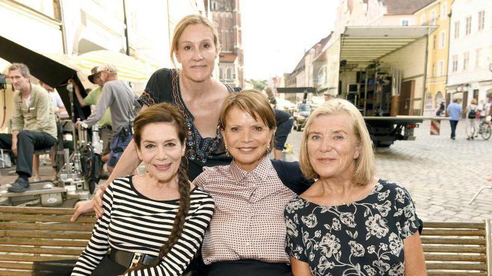 """""""Club der einsamen Herzen"""": Christine Hartmann (Drehbuch und Regie), Hannelore Elsner, Uschi Glas und Jutta Speidel."""