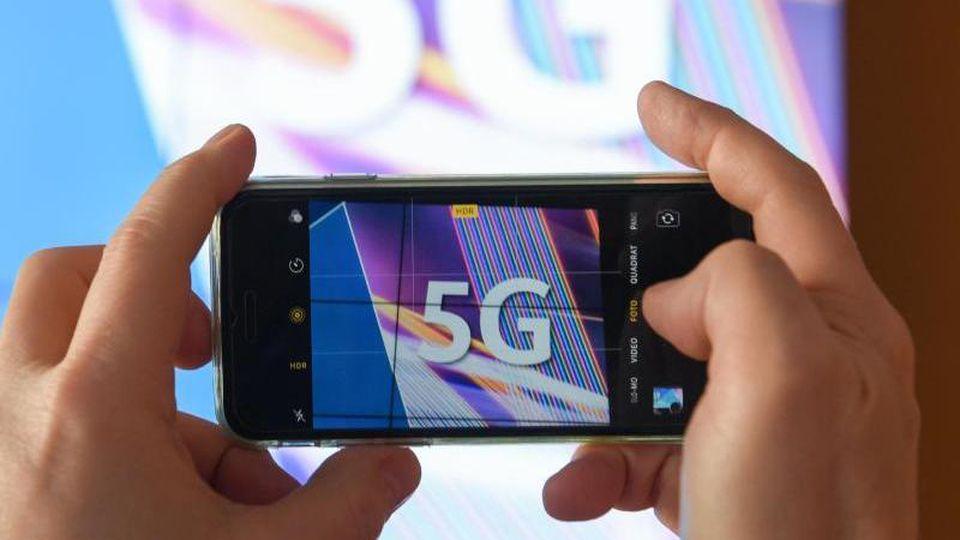 Nach dem Ende der 5G-Mobilfunkauktion: Firmen fangen an, den 5G-Netzstart vorzubereiten. Foto:Arne Dedert