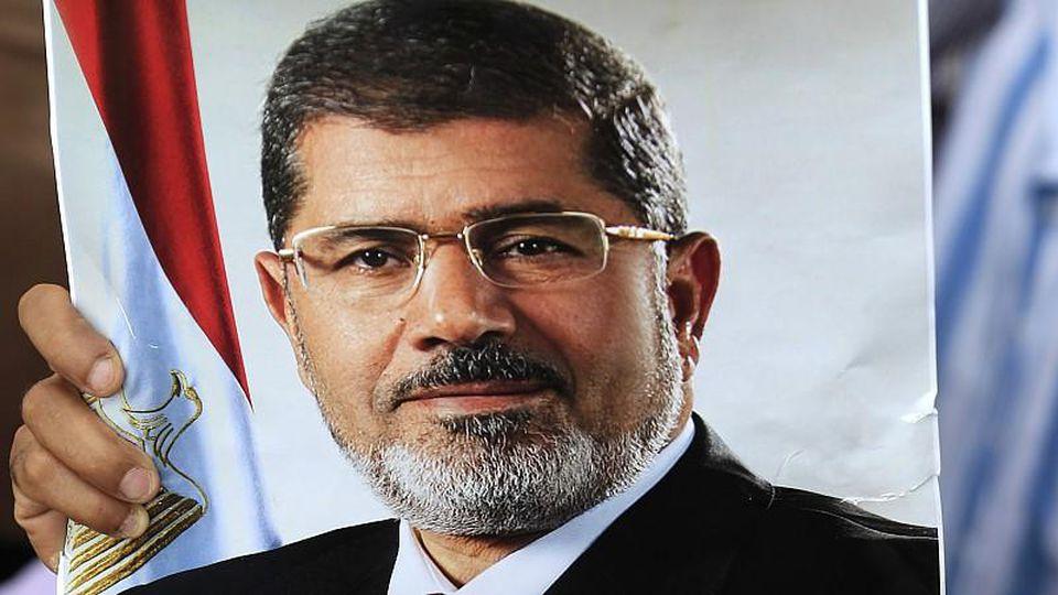 Ägyptens Präsident Mursi will nicht von der Macht lassen: In einer TV-Ansprache lehnte er den geforderten Rücktritt ab.