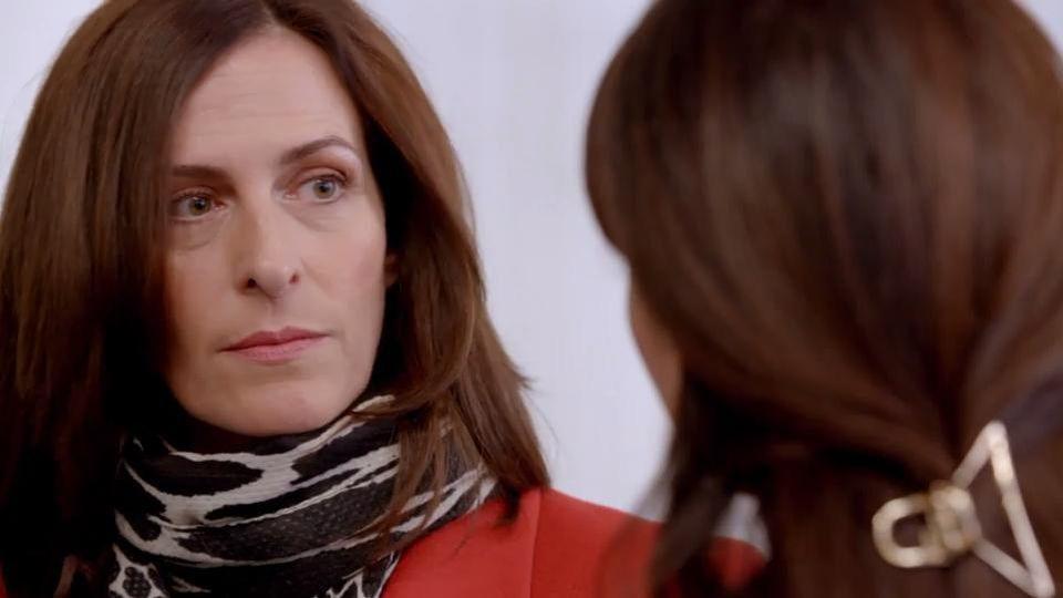 GZSZ: Laura ist Katrin einen Schritt voraus und verhindert ihre Racheaktion.