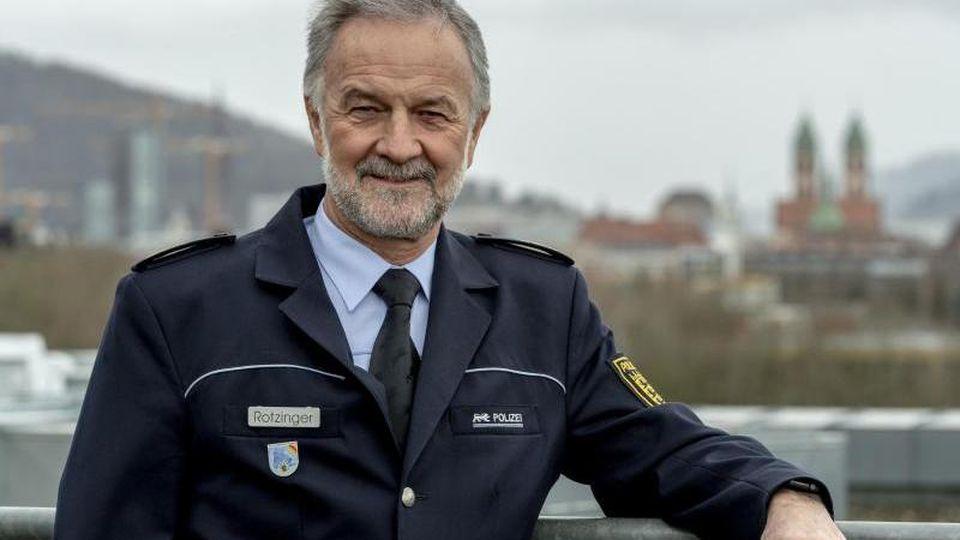 Der Freiburger Polizeipräsident Bernhard Rotzinger steht auf dem Dach des Präsidiums. Foto: Patrick Seeger/Archiv
