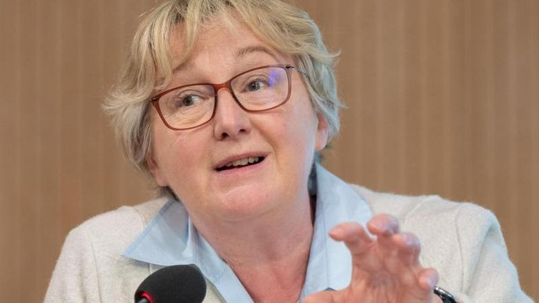 Baden-Württembergs Wissenschaftsministerin Theresia Bauer (Grüne) spricht bei einer Pressekonferenz. Foto: Bernd Weißbrod/dpa/Archivbild