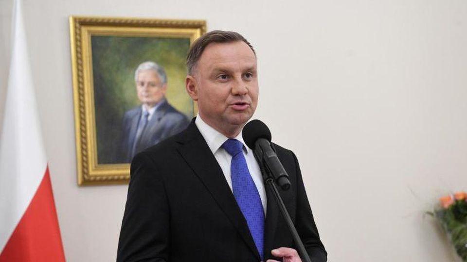 Andrzej Duda spricht im Präsidentenpalast inWarschau. In Polen amtiert der Präsident fünf Jahre lang. Foto: Radek Pietruszka/PAP/dpa