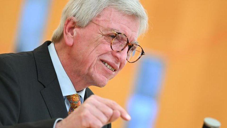 Volker Bouffier (CDU), Ministerpräsident des Landes Hessen. Foto: Arne Dedert/dpa/Archivbild