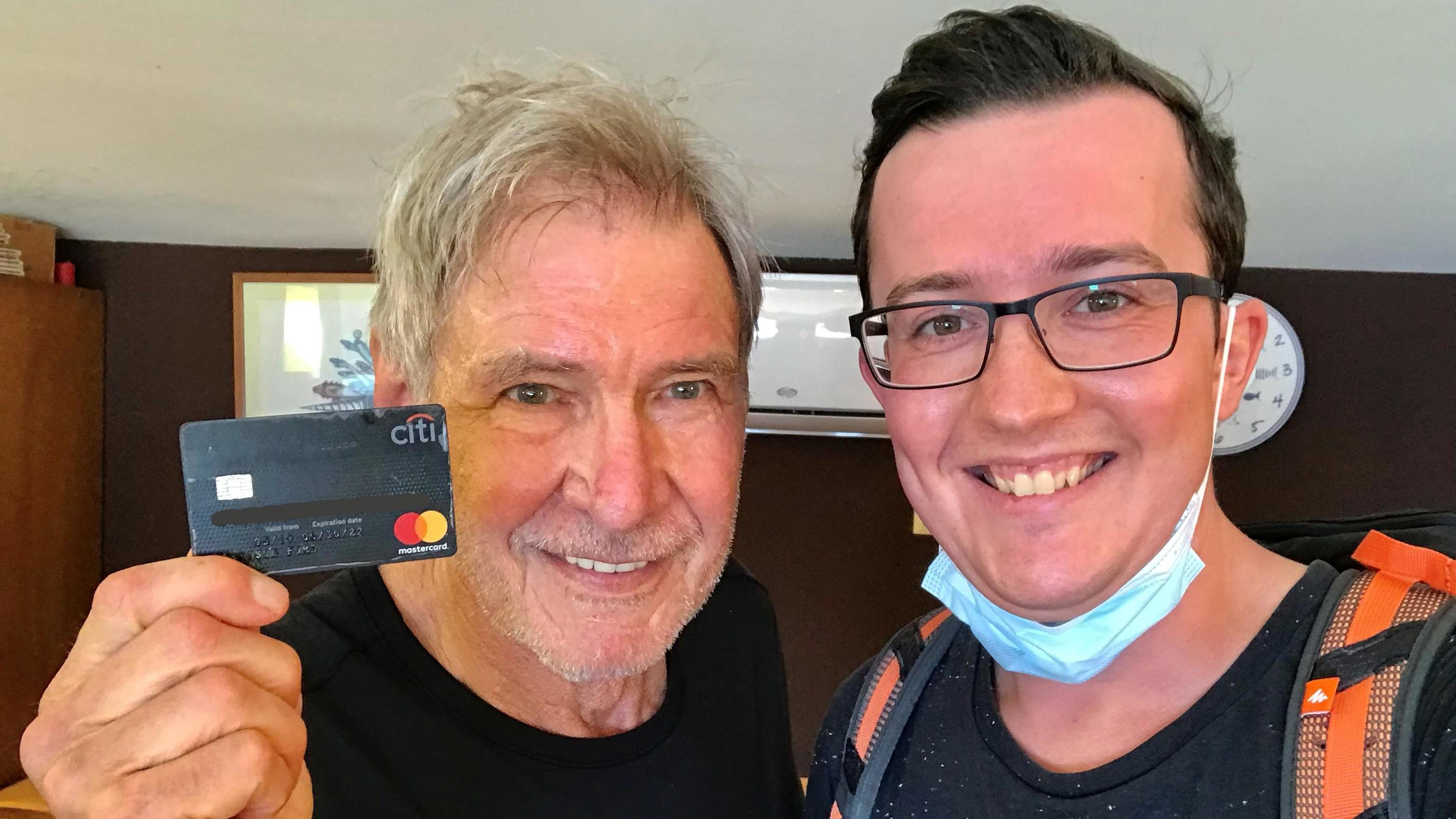 """Ehrlicher Schwabe im RTL-Interview - """"Ich habe Harrison Fords Kreditkarte gefunden"""""""