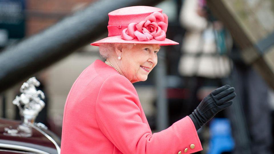 Liebt ihren Wacholderschnaps: Queen Elizabeth II.