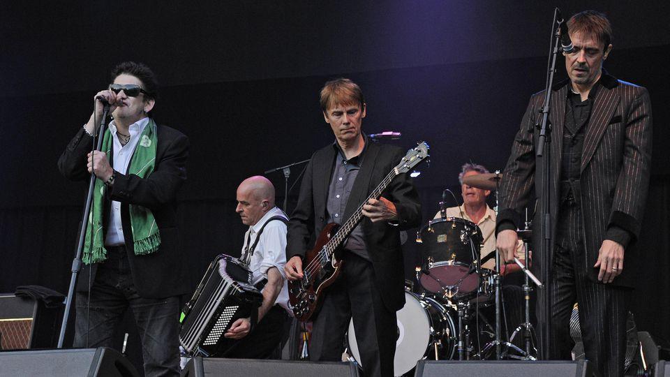 The Pogues bei einem Konzert in Hamburg 2012