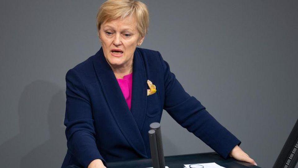 Renate Künast Mitte März bei einer Rede im Bundestag. Foto: Monika Skolimowska/zb/dpa