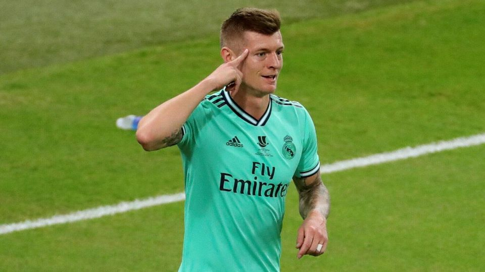 Real Madrid s midfielder Toni Kroos celebrates after scoring the 0-1 during the Spanish SuperCup soccer semifinal match