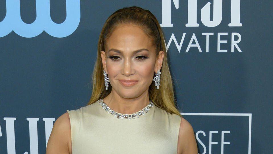 Jennifer Lopez hat den Weg zurück ins Tonstudio gefunden.