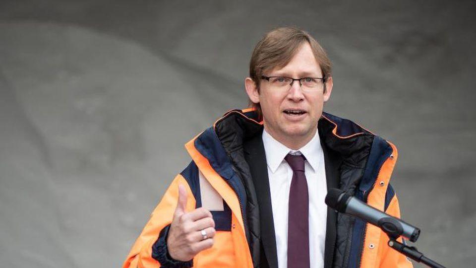 Jens Deutschendorf (Grüne), Verkehrsstaatssekretär in Hessen. Foto: Swen Pförtner/dpa/Archivbild
