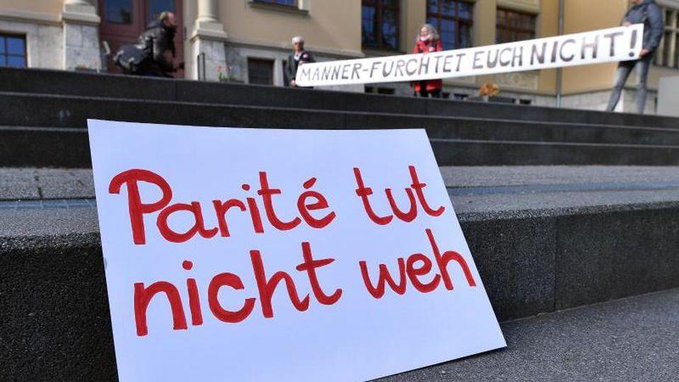 Thüringens Verfassungsrichter hat eine Paritätsregelung im Landeswahlgesetz gekippt. Foto: Martin Schutt/dpa-Zentralbild/dpa