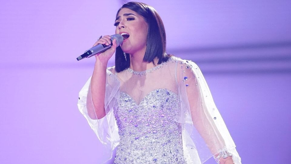 "Duygu Goenel singt ""One Moment In Time"" in der vierten Liveshow."