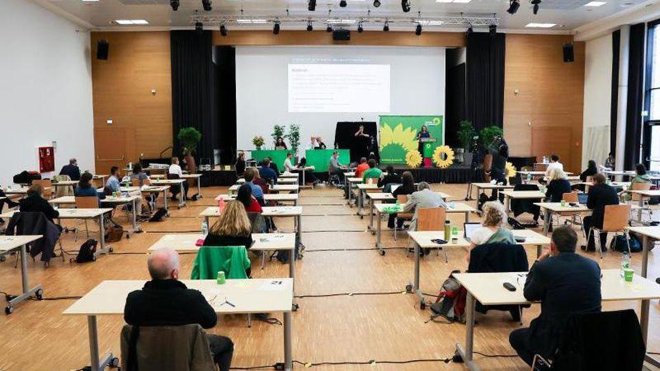 Wissenschaftssenatorin Katharina Fegebank (B90/Grüne) spricht beim Parteitag der Hamburger Grünen. Foto: Christian Charisius/dpa