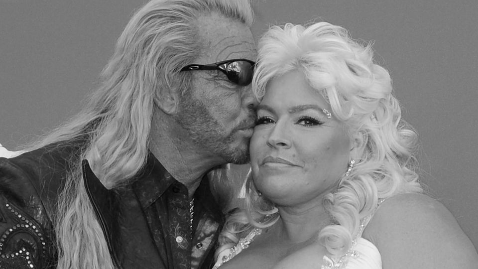 (L-R) TV personalities Duane Dog Chapman and Beth Smith arrive at the 48th annual Academy of Country Music Awards at the MGM Hotel in Las Vegas, Nevada on April 7, 2013. PUBLICATIONxINxGERxSUIxAUTxHUNxONLY LAV20130407045