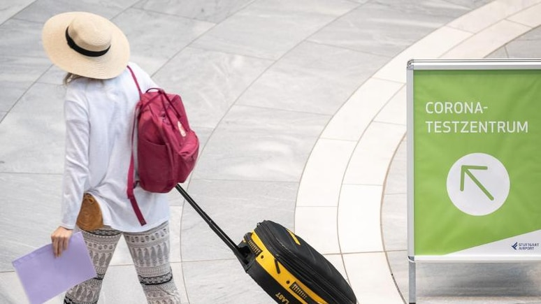Eine Corona-Ausbreitung durch heimkommende Sommerurlauber soll durch neue Regeln für die Einreise nach Deutschland gebremst werden.