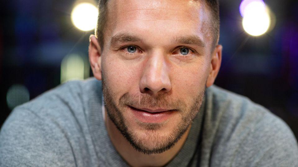 Lukas Podolski und seine Ehefrau Monika sind schon seit 15 Jahren zusammen.