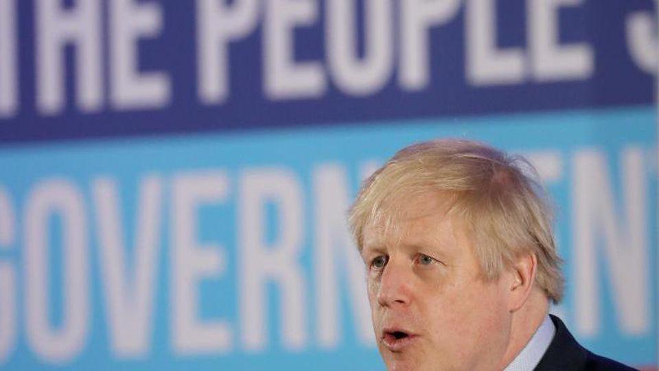 Die Konservativen von Premierminister Boris Johnson haben die Parlamentswahl in Großbritannien klar gewonnen. Foto: Gareth Fuller/PA Wire/dpa