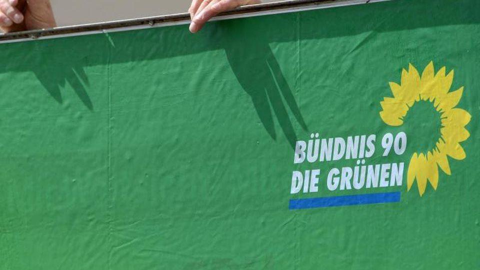 Ein Plakat des brandenburgischen Landesverbandes von Bündnis 90/Die Grünen. Foto: Ralf Hirschberger/Archiv