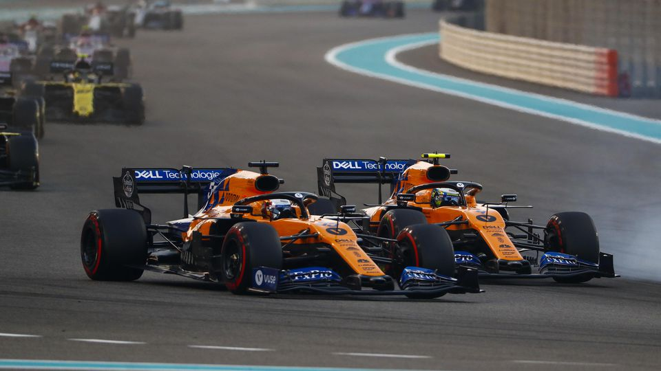 2019 Abu Dhabi GP YAS MARINA CIRCUIT, UNITED ARAB EMIRATES - DECEMBER 01: Carlos Sainz Jr., McLaren MCL34, battles with