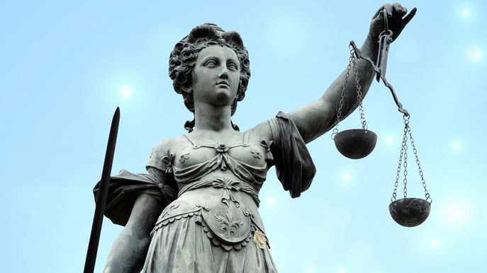 Symbolfoto Justitia mit Waage und Schwert Justitia, Lady Justice with balance and sword BLWS545910 Copyright: xblickwinkel/McPHOTOx