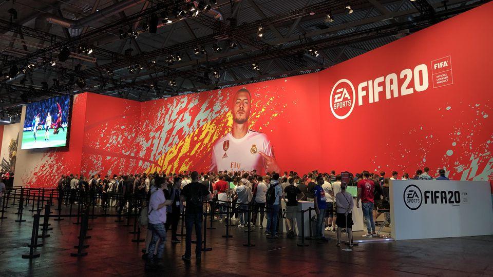 Noch ist nicht viel los am Stand von FIFA 20.