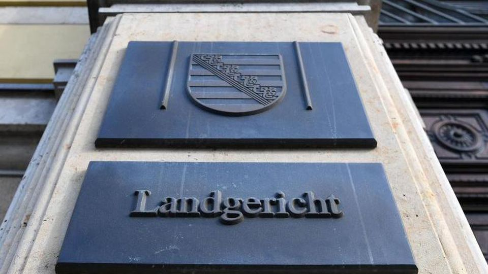 Eingang zum Landgericht in Leipzig. Foto: Hendrik Schmidt/Archivbild