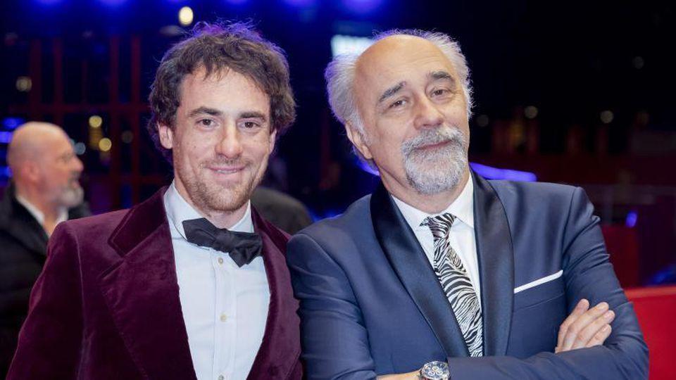 Schauspieler Elio Germano (l) und Regisseur Giorgio Diritti auf der Berlinale. Foto: Christoph Soeder/dpa