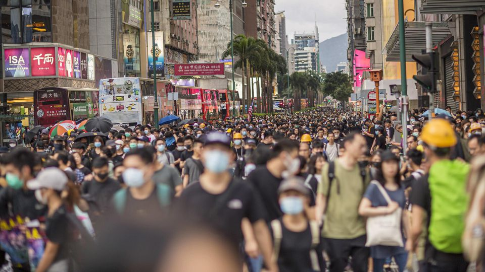 News Bilder des Tages Hongkong, Großdemonstration gegen die Politik Stadtregierung August 3, 2019, Hong Kong, Hong Kong, Hong Kong: Demonstrators occupy and walk down Nathan Road during the anti extradition bill protest..Despite the Hong Kong governm