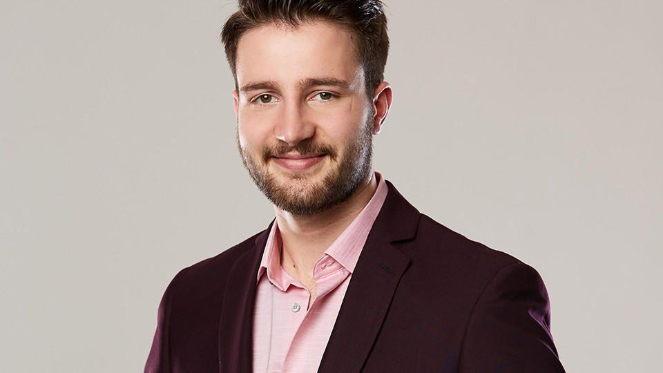 """Christian Hesse ist 25 Jahre alt und Kandidat bei """"Die Bachelorette 2019"""". Doch schon nach der ersten Entscheidung muss er gehen."""