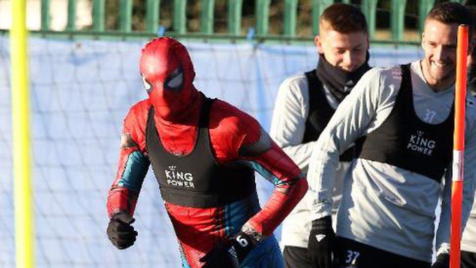 Spiderman beim Training von Leicester City