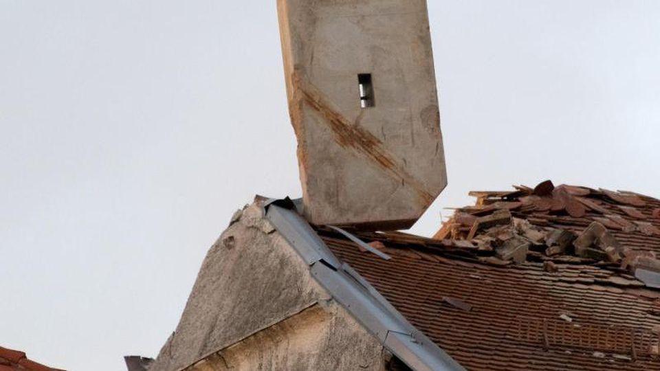 Schäden an einem denkmalgeschützten und einsturzgefährdeten Haus. Foto: Jeremy Ritzer