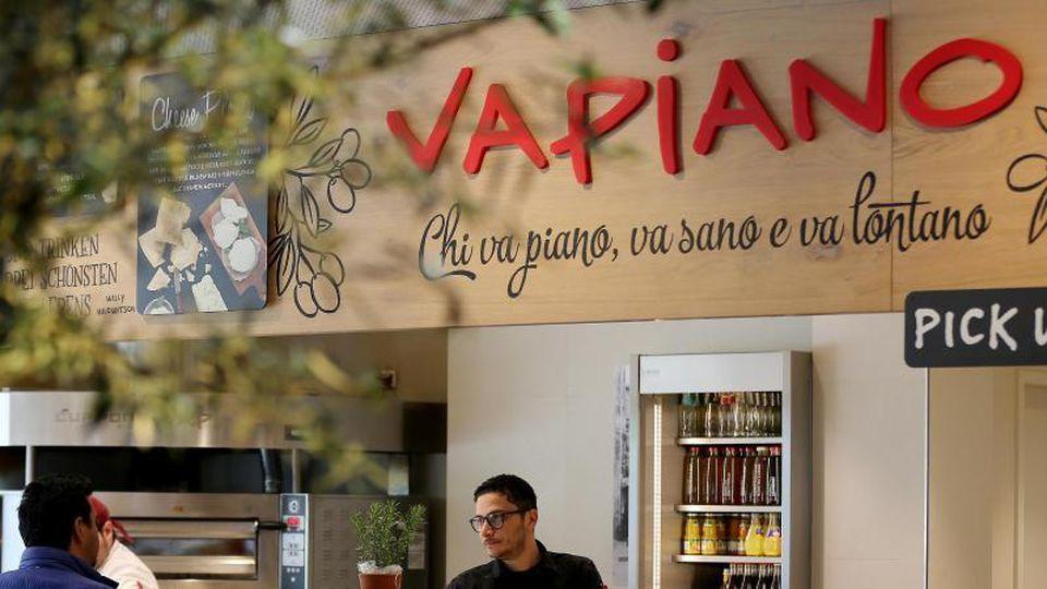 Die schnell gewachsene Restaurantkette Vapiano steckt seit längerem tief in der Krise. Foto: Oliver Berg