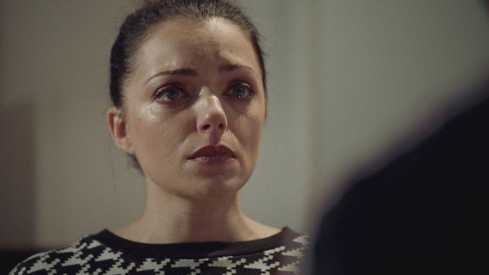 GZSZ: Emily gibt zu, die SMS von Laura an Philip gelöscht zu haben.