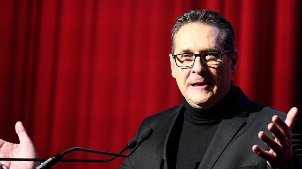 Heinz-Christian Strache spricht beim Neujahrsempfang der DAÖ in Wien. Foto: Hans Klaus Techt/APA/dpa